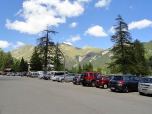 Wel uiterst geschikt om t parkeren en of er te overnachten en om er stevige een- of meerdaagse tochten te maken.